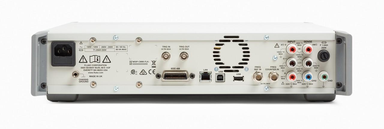 Multímetro de referencia 8588A