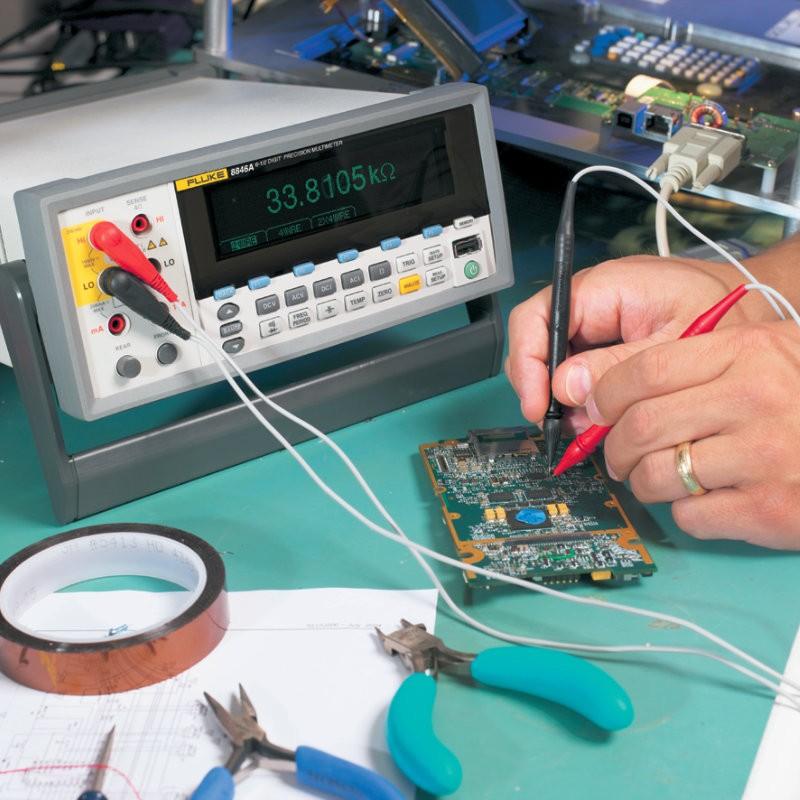 Multímetros de precisión de 6,5 dígitos 8845A/8846A
