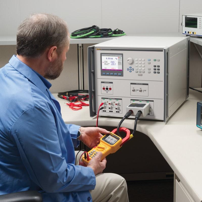 Calibrador de potencia eléctrica trifásica 6003A