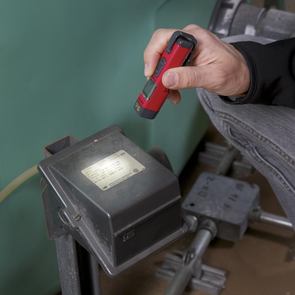 Termómetro infrarrojo de bolsillo Amprobe IR-450